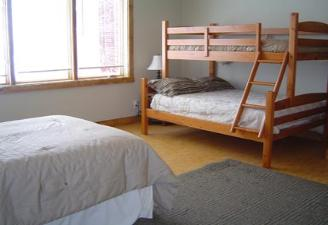 bedroom_4_with_bunks-328×225